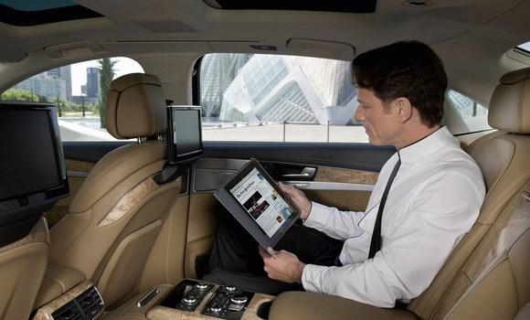 internet audi a8 Audi A8: Primer coche del mundo con conexión inalámbrica a Internet de fábrica