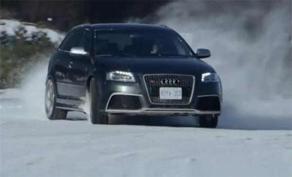 Audi RS3 Sportback El Audi RS3 se divierte en la nieve