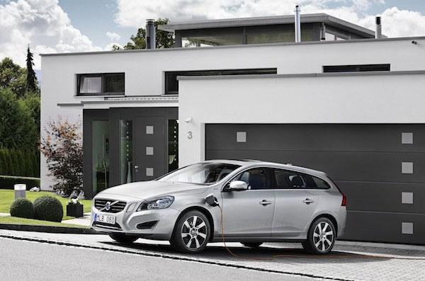 Volvo V60 Plug In Hybrid Volvo V60 Plug In Hybrid, híbrido diésel enchufable. ¿Alguien da más?